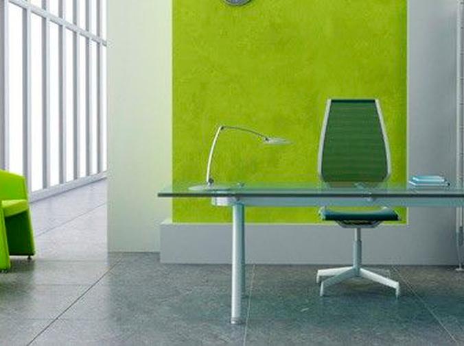 Mamparas de cristal con vinilos para conseguir una oficina más bonita y espaciosa